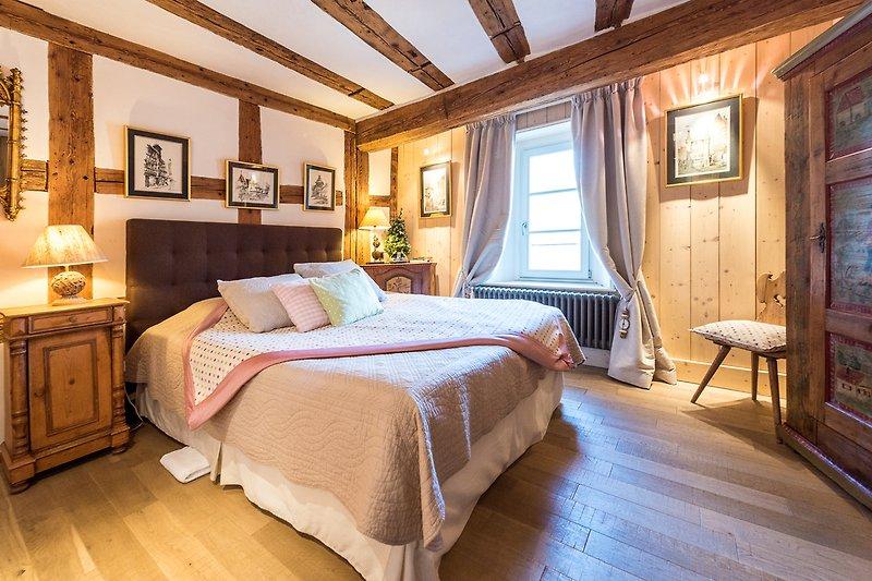 Schlafzimmer u. Bett 160x200