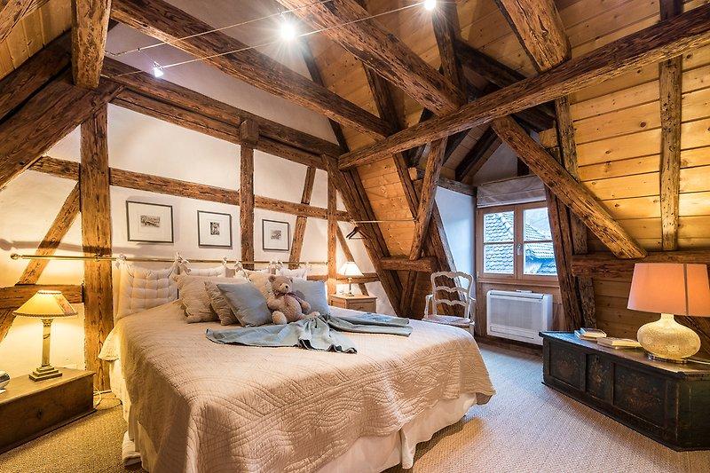 Schlafzimmer u. Bett 180x200