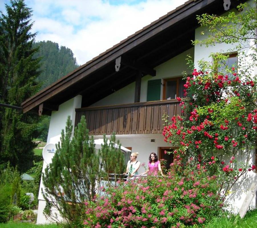 ferienhaus berchtesgadenxxl3schlafz ferienhaus in berchtesgaden mieten. Black Bedroom Furniture Sets. Home Design Ideas