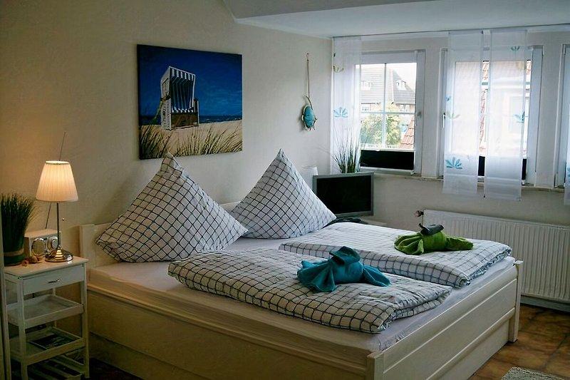 Schlafbereich mit Komfortbett