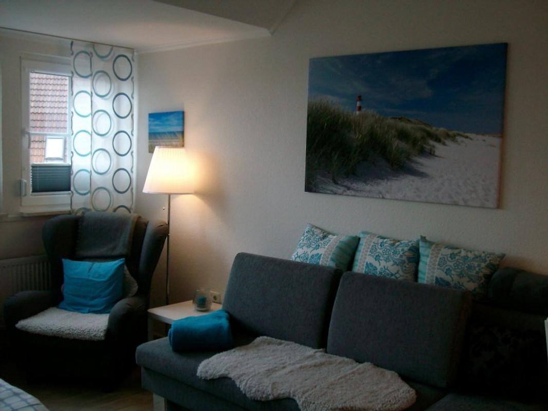 strandappartement anke 50 m strand ferienwohnung in neuharlingersiel mieten. Black Bedroom Furniture Sets. Home Design Ideas