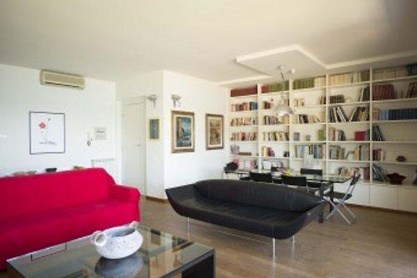 Wohn- und Essbereich im großzügigen Wohnzimmer