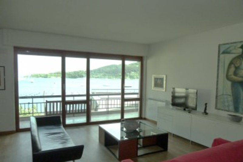 Wohnzimmer mit wunderschönem Panoramablick aufs Meer und die Insel Palmaria