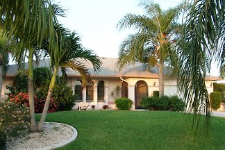 Gulf Breeze Villa