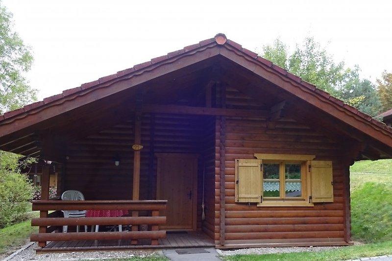 Holzblockhaus 11 Eingang
