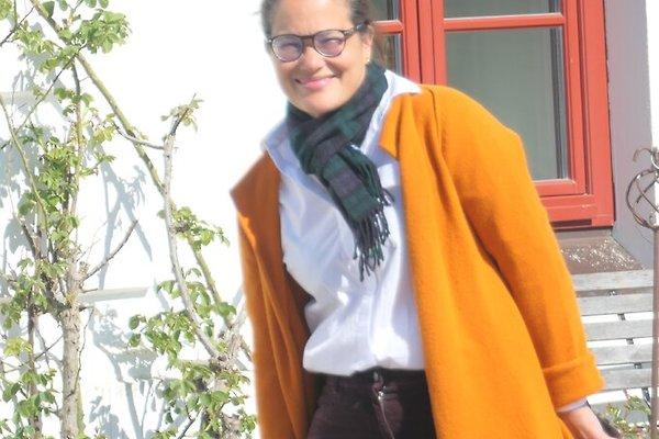 Mrs. B. De Oliveira-Arndt