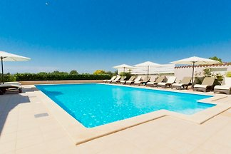 Villa Alen mit Swimmingpool