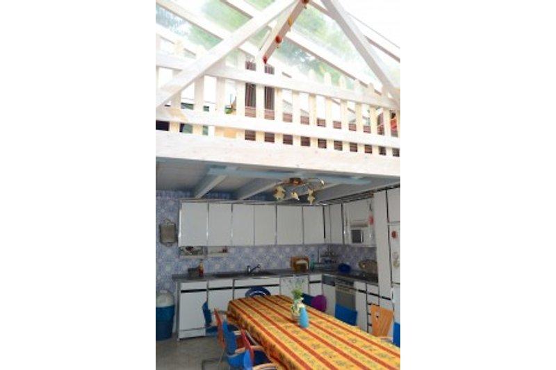 Wohnküche und Galerie