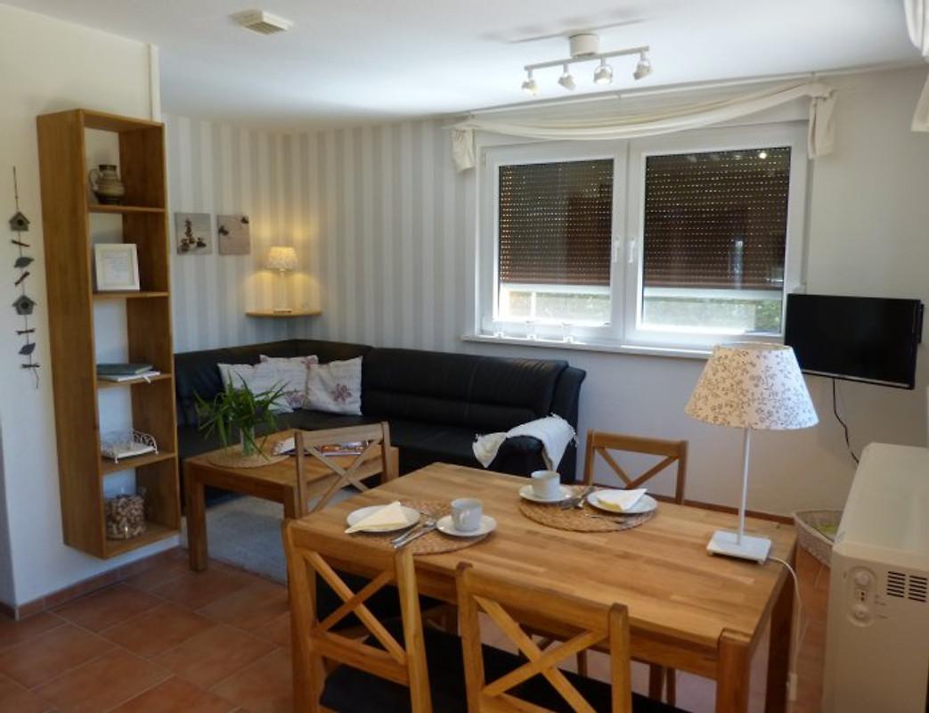sonniges ferienhaus am see ferienhaus in bad freienwalde mieten. Black Bedroom Furniture Sets. Home Design Ideas