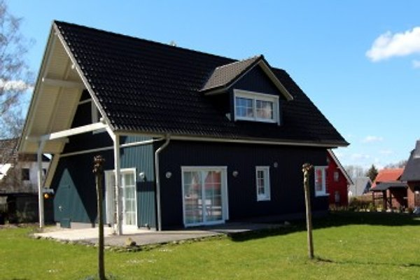Ferienhaus Blaues Haus à Göhren-Lebbin - Image 1