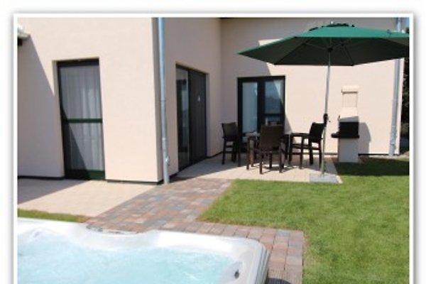 Sonnenterrasse, Grill & Garten mit eigenem Außenwhirlpool (ganzjährig 38 ° warm)