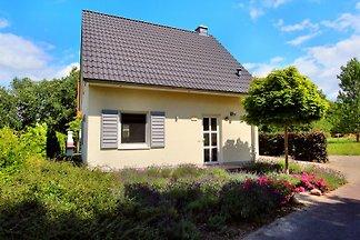 Freist. 4* Komfort-Ferienhaus AHORN