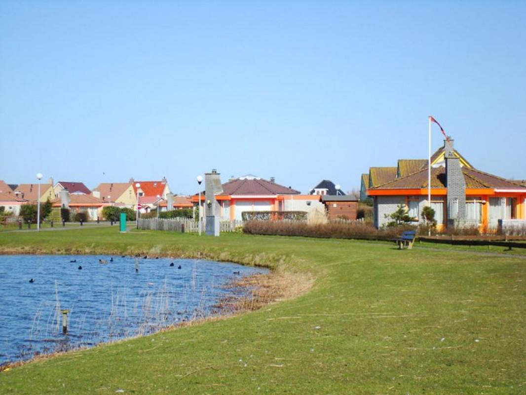 Ferienhaus dierekt am meer ferienhaus in julianadorp aan for Ferienhaus mieten am meer