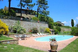 Hermosa villa en 496, cerca de Siena