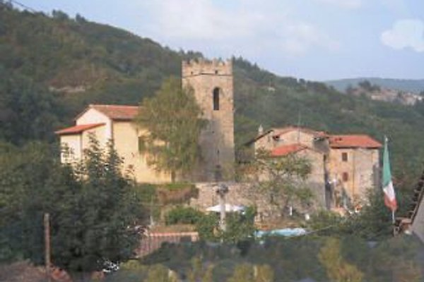 Le Chateau de Lance the Priory à Lanciole Tuscany - Image 1