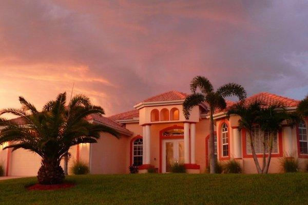 Villa Bella Vista en Cape Coral - imágen 1