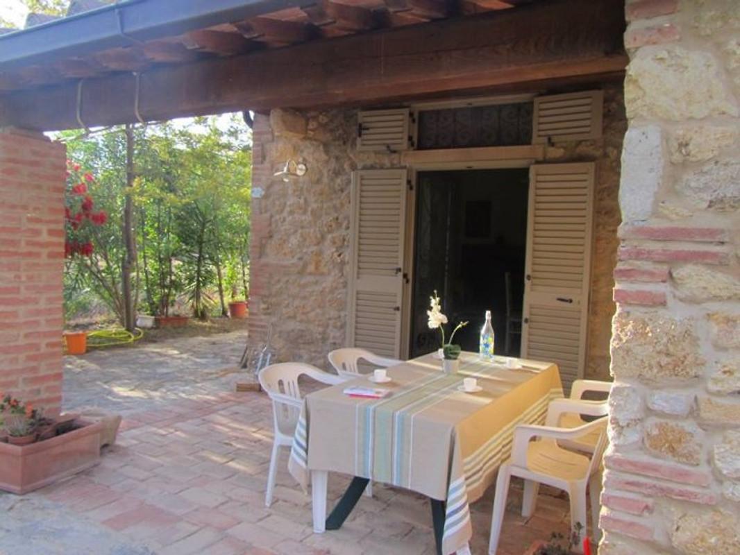 Poggio vakantiehuis in bibbona huren - Pijnbomen meubels ...