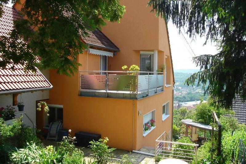 Eingang FeWo und 2. Balkon / Entrée gîte et 2e balcon