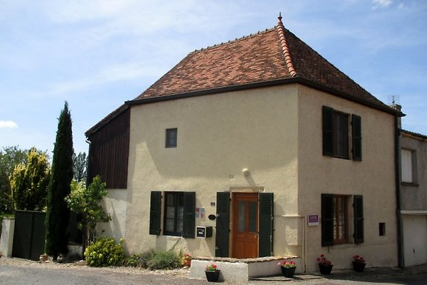 La Maison du Curé en Cormatin - imágen 1