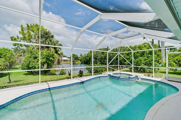 Holiday home in Naples, Davis Blvd - picture 1