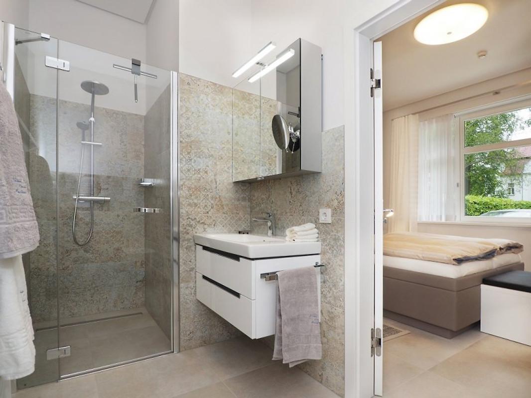 kleines palais ferienhaus in heringsdorf mieten. Black Bedroom Furniture Sets. Home Design Ideas