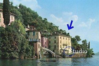 Palazzo + giardino direttamente sul Lago di Como