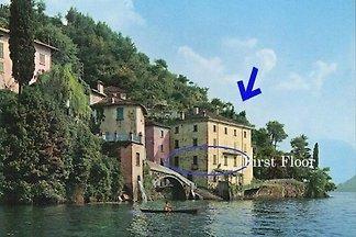 Palazzo justo en el lago de Como + Jardín