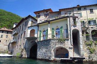 Casa Borgo Vecchio direttamente sul Lago di Como