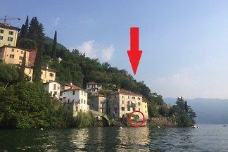 Palazzo + jardín directamente en el lago Como