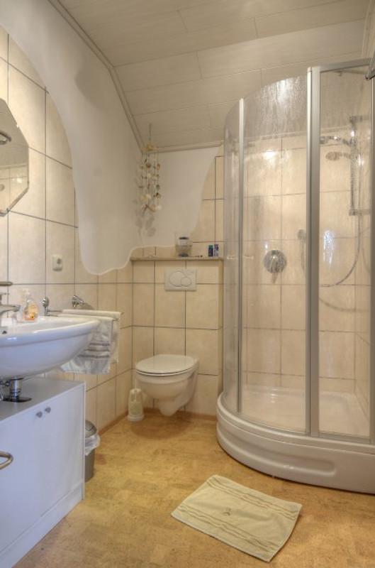 Fewo nationalparkblick ferienwohnung in frankenau mieten - Badezimmer 15qm ...