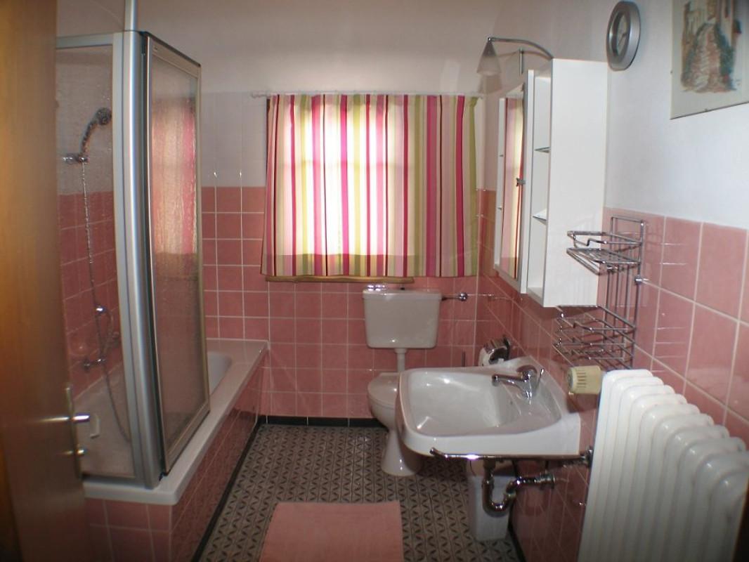 Haus windeck ferienwohnung ferienwohnung in r tenbach mieten for Mieten von privat
