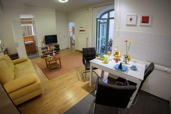 apartment canaletto im stadtzentrum ferienwohnung in dresden mieten. Black Bedroom Furniture Sets. Home Design Ideas