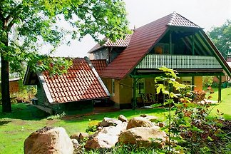 Domek letniskowy Bungalow with fireplace and pool