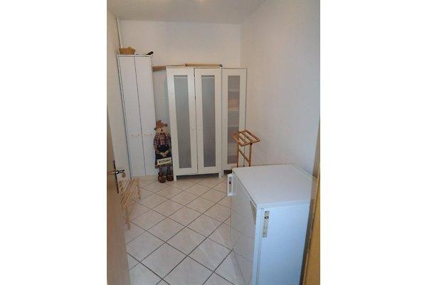ferienwohnung hacker appartamento in binz affittare. Black Bedroom Furniture Sets. Home Design Ideas
