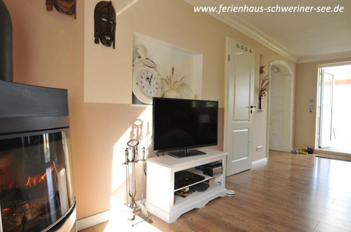 ferienhaus seeblick am see boot ferienhaus in schwerin mieten. Black Bedroom Furniture Sets. Home Design Ideas