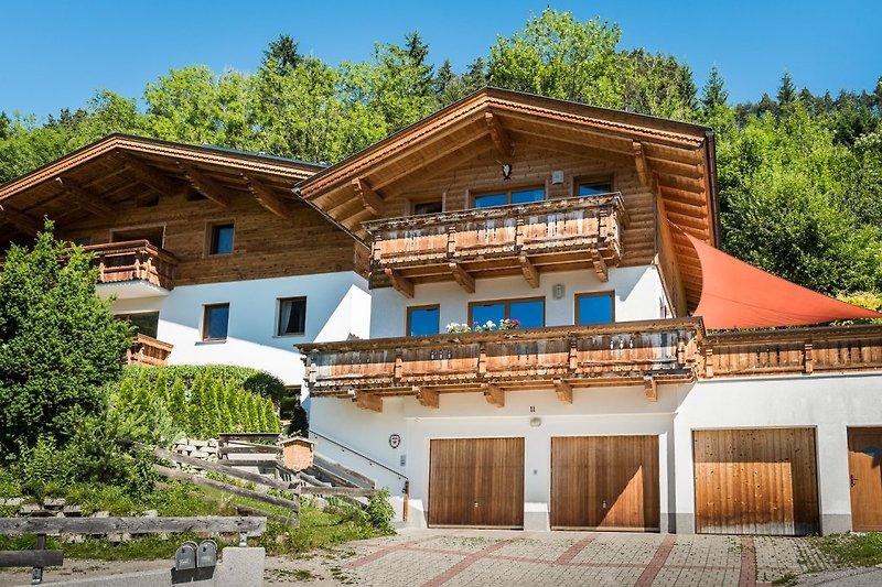 Chalet Schlossblick im Sommer