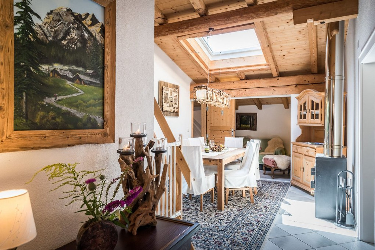 appartment chalet schlossblick ferienwohnung in vomp mieten. Black Bedroom Furniture Sets. Home Design Ideas