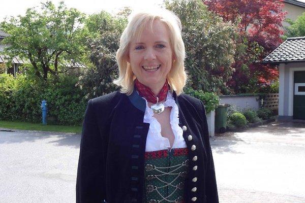 Frau E. Schönleitner