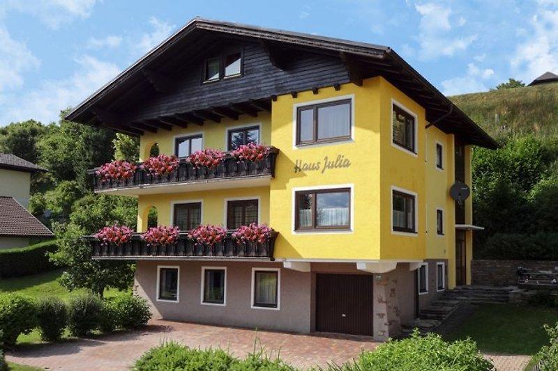 Ferienhaus Julia im Sommer