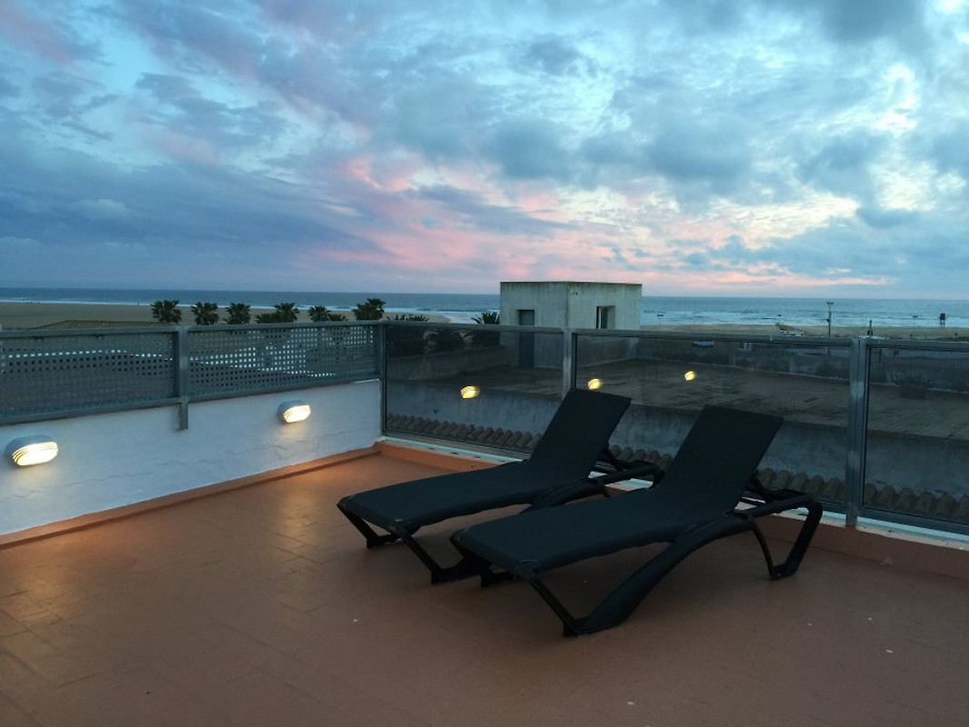 Penthouse terrace holiday flat in conil de la frontera for Terrace 45 qc