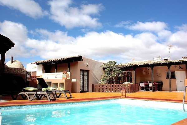 Casa Manitaga - Pool. 3 SZ. Urig. in Tuineje - Bild 1
