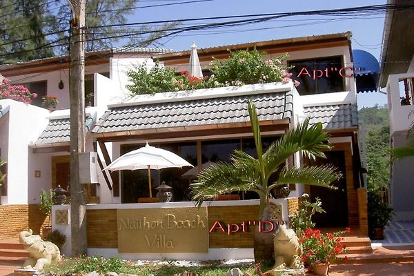 Naithon Beach Villa en Nai Thon - imágen 1