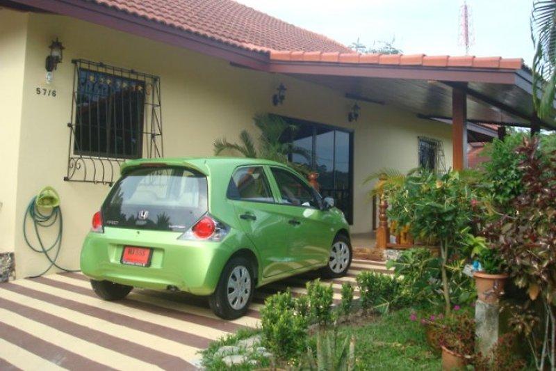 orchid villa phuket ferienhaus in phuket mieten. Black Bedroom Furniture Sets. Home Design Ideas