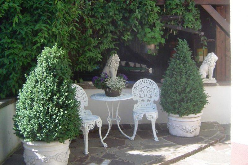 Sitzgelegenheit im Vorgarten