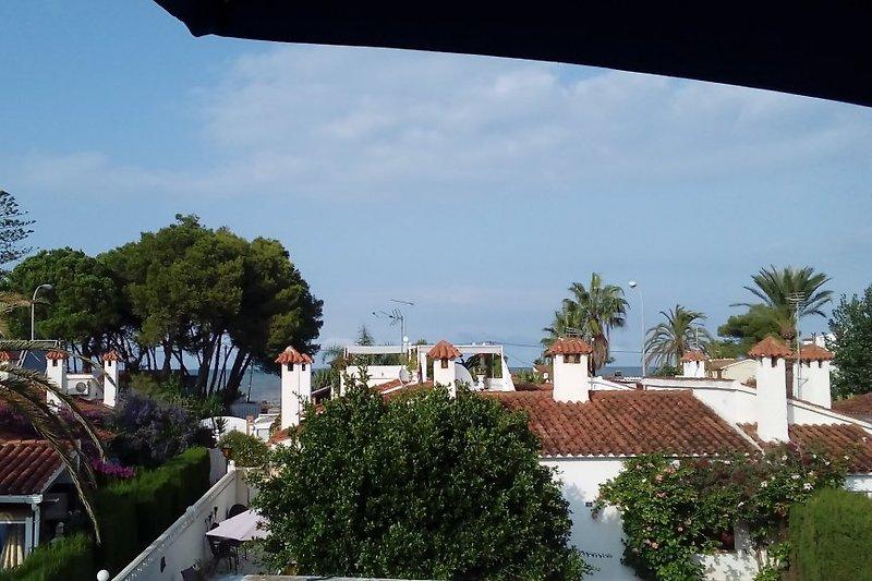 Blick zum Meer von der Dachterasse