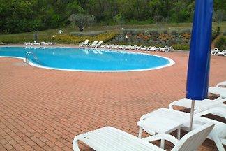 Le Corte Del Garda con el lago de la piscina del Garda