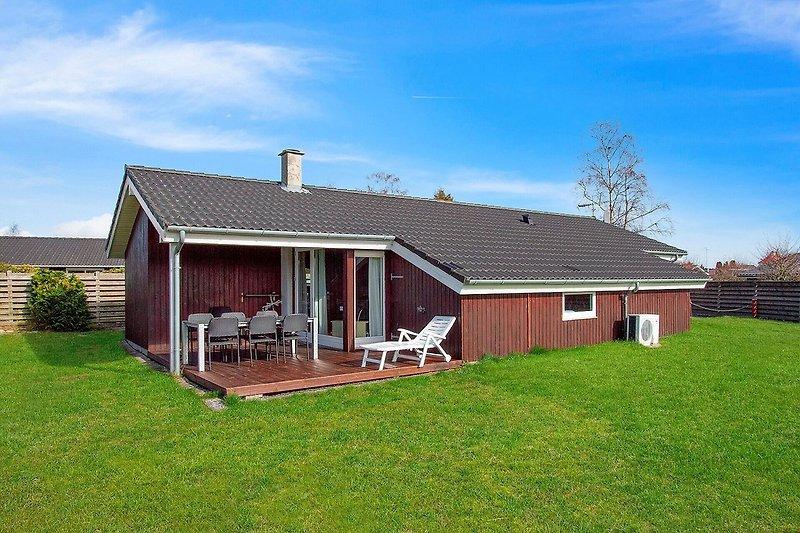 Haus vom Rasen