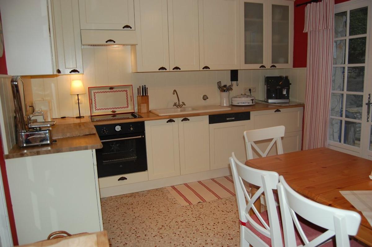 la lonne marouine ferienhaus in entrecasteaux mieten. Black Bedroom Furniture Sets. Home Design Ideas