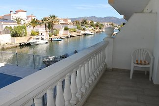 1-2 camere da letto al canale con piscina