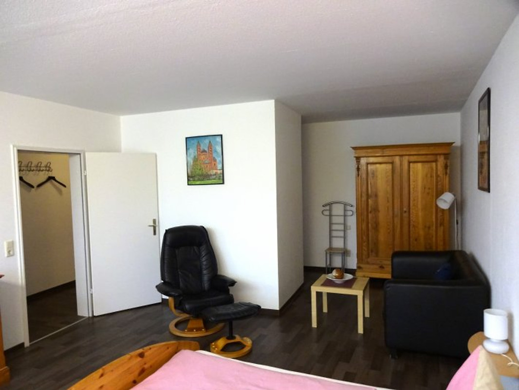 ferienwohnung speyer zentrum ferienwohnung in speyer mieten. Black Bedroom Furniture Sets. Home Design Ideas